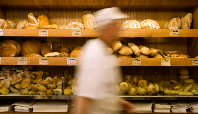 A bakery in downtown Rome on September 18, 2008. (Tony Gentile/Reuters)